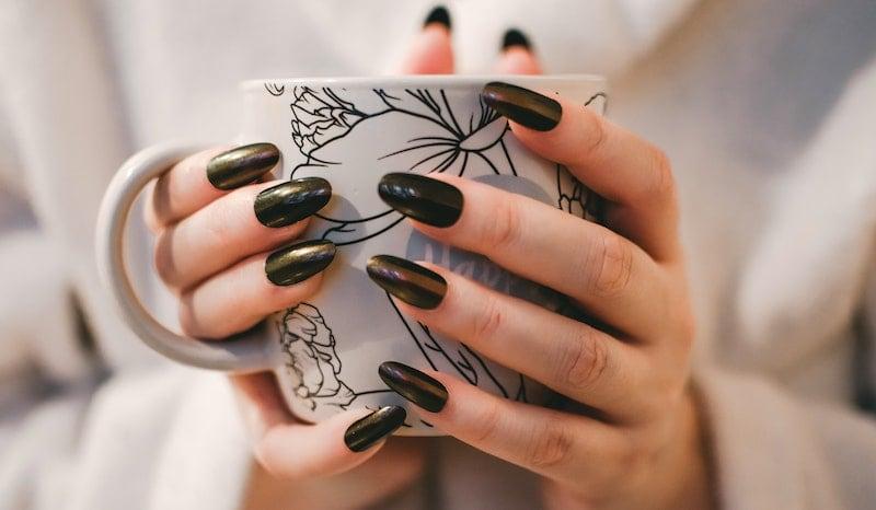smalto per unghie permanente